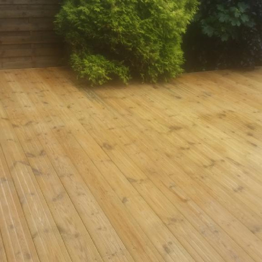 Nice Clean - Decking After a Clean